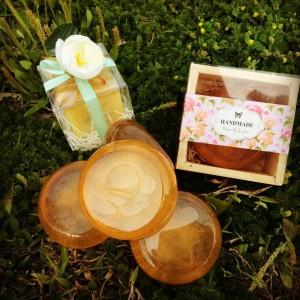 晶綻荔枝蜜敷臉皂
